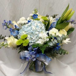 PF-240: Sea and Sky Bouquet ($110.00)