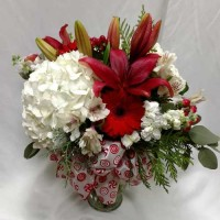 PF-810: Holiday Heart Bouquet ($75.00)